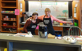 Dewey's Cafe volunteers