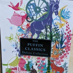 The Puffin Classics: Deluxe Collection Box Set (8 books): Black beauty, The Call of the Wild, Peter Pan, The Wind in the Willows, The Adventures of Robin Hood, The Scret Garden, The Adventures of Huckleberry Finn, Anne of Green Gables